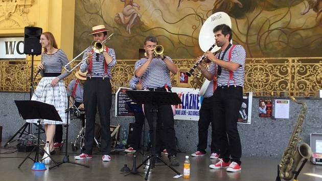 Jana Golianová s plzeňskou kapelou The Dixie Hot Licks.