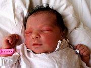 JULIE KULČÁROVÁ se poprvé rozkřičela ve středu 26. srpna v 11.30 hodin. Při narození vážila 3950 gramů a měřila 52 centimetrů. V Plesné se těší dvouletá Zuzanka a tatínek Juraj na příjezd maminky Petry a malé Jůlinky.