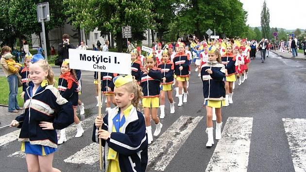 Mezinárodně ostřílené chebské diskomažoretky ze Sportovního klubu PHOENIX, o.s., Tanečního studia (TS) Magic Dance jsou chloubou města Chebu.