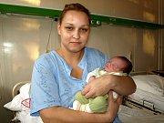 DANIEL SVOBODA z Aše se narodil 11. listopadu v 7.45 hodin. Na svět přišel s váhou 3600 gramů a mírou 52 centimetrů. Jméno pro synka vybral tatínek Robert, prozradila maminka Petra.