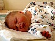DANIELA SVOBODOVÁ se poprvé rozkřičela v pátek 7. listopadu v 10.15 hodin. Při narození vážila 2980 gramů a měřila 47 centimetrů. Maminka Lucie prozradila, že pohlaví miminka znali dopředu. Tatínek Jiří a sedmiletý  Filípek se těší, až budou všichni  doma