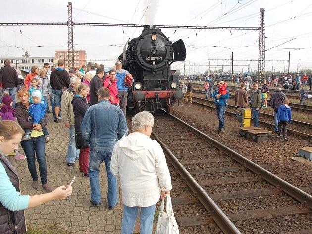 Den železnice v Karlovarském kraji byl ve znamení 150. výročí příjezdu prvního vlaku do Chebu.