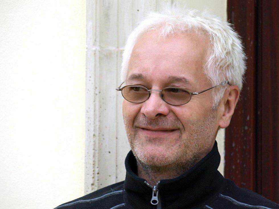 Robert Vano.