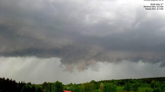 Lidé sledovali zajímavý meteorologický jev.
