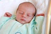 TOBIÁŠ KÁČEREK bude mít v rodném listu datum narození neděli 18. června v 5.57 hodin. Na svět přišel s váhou 3 050 gramů. Maminka Hedvika a tatínek Tomáš se radují z malého Tobiáška doma v Chebu.