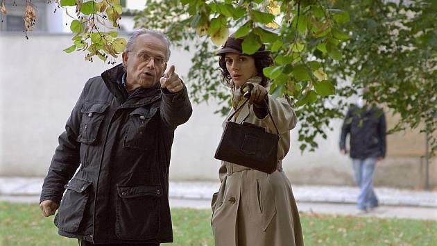 HEREČKA Klára Issová se při natáčení nového filmu Kráska a zvíře 1950 objeví i na Chebsku.