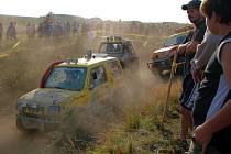 První závody offroadových automobilů zažil vojenský prostor u Trstěnic v roce 2007