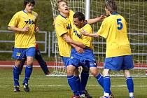 DOMÁCÍ se radovali z úvodního gólu, ale nakonec měli více důvodu ke spokojenosti Chebští, kteří vyhráli na Viktorii 2:1.