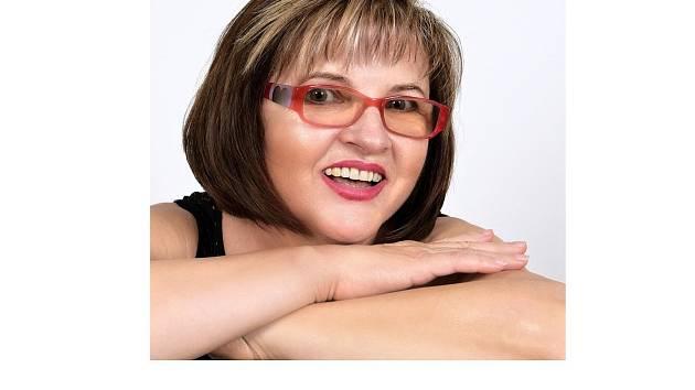Básnířka Alena Vávrová z Františkových Lázní.