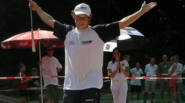 Závěrečné eso turnaje a Ivan Macho se stává vítězem v nejprestižnější kategorii mužů.