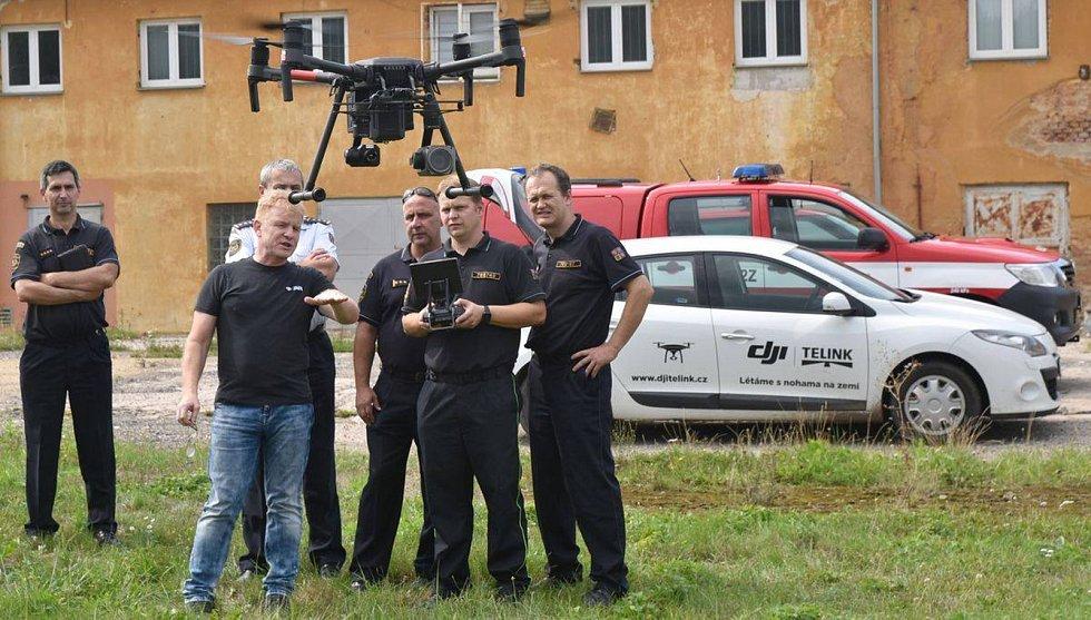 Novým bezpilotním letounem disponují v současné době hasiči Karlovarského kraje.