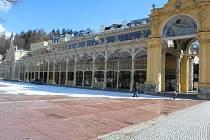 Liduprázdné Mariánské Lázně v sobotu 20. března dopoledne.