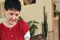 Eliška je ráda, že může díky pečovatelkám žít doma.