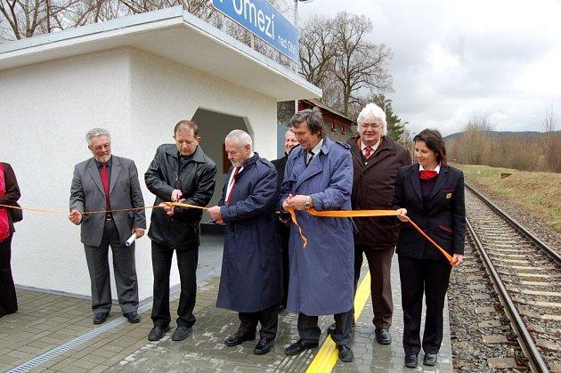 Slavnostní otevření nové železniční zastávky v Pomezí nad Ohří