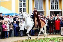 Svatý Martin dorazil také do Františkových Lázní a zahájil i Svatomartinské trhy.
