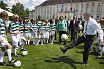 Spolkový prezident Horst Köhler bude Česko-německou fotbalovou školu – modelový projekt v Evropě – podporovat