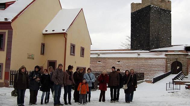 Střední zdravotnická škola v Chebu uspořádala pro své partnery z Německa zimní prohlídku města.
