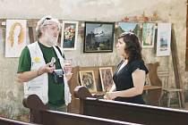 Obec Poustka a Občanské sdružení na záchranu kostela sv. Wolfganga na Ostrohu zahájili očekávanou výstavu obrazů Od abstrakce po zátiší