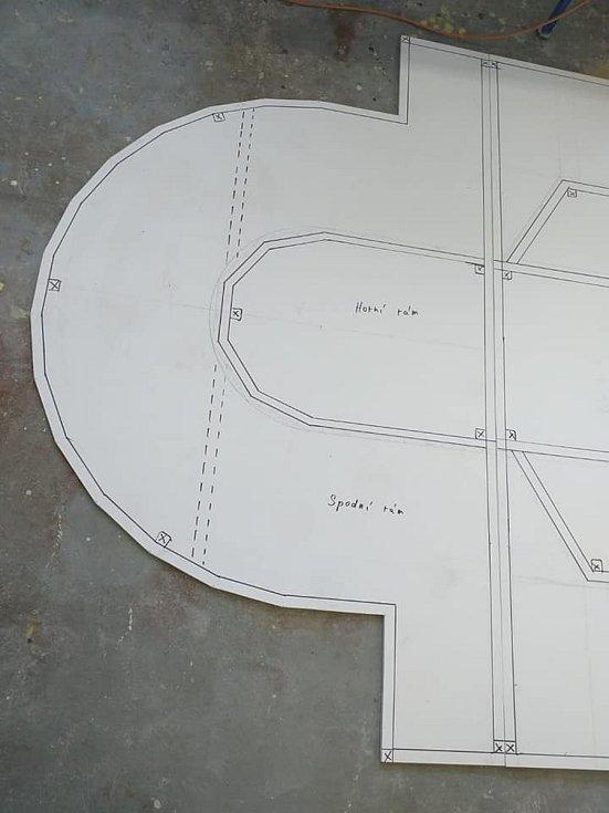 Takto vzniká nejsložitější model v parku Boheminium.