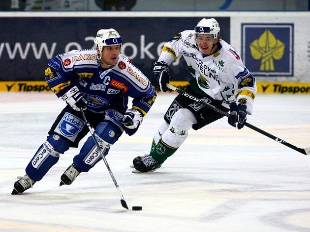 : Zatím vyrovnanou bilanci mají v této sezoně západočeská derby mezi Plzní a Karlovými Vary.