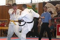 V hale Slavoje se konalo mistrovství republiky v shinkyokushinkai karate. V sedmi kategoriích se ho zúčastnilo necelých šest desítek závodníků.