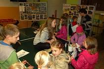 Nocovku si užívaly děti v Domě dětí a mládeže Sova v Chebu.