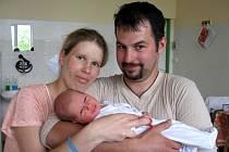 MIKULÁŠ LABUDA z Hranic se narodil v chebské porodnici 19. května v 19 hodin. Měřil 54 centimetrů a vážil 3,48 kilogramu