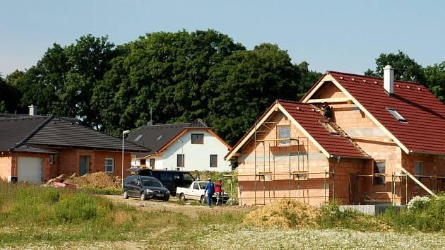 NEJVĚTŠI STAVEBNÍ ROZVOJ čeká Zlatou louku, oblast Dolnické a Dvořákovy ulice a lokalitu bývalých kasáren. Vzniknout zde mají desítky nových rodinných domů.