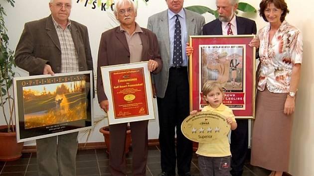 Představitelé hazlovského golfového klubu převzali prestižní ocenění