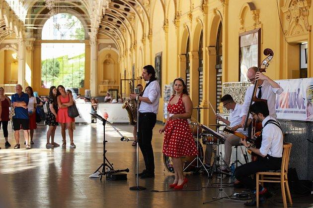 Milovníci jazzu si přišli na své na mariánskolázeňské kolonádě.
