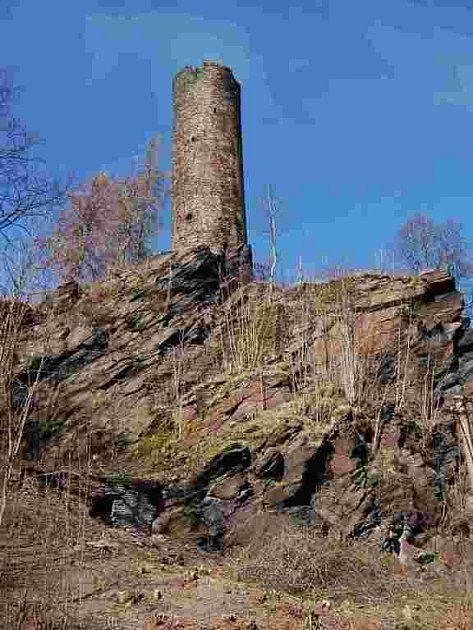 Podhradí - okrouhlá románská věž