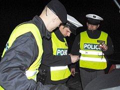 ZLODĚJŮ v Aši v loňském roce ubylo. Policisté však i nadále nepřestanou pořádat kontroly, a to i na silnicích.
