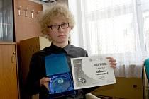 Lukáš Pulec z Gymnázia Cheb získal druhé místo v zeměpise.