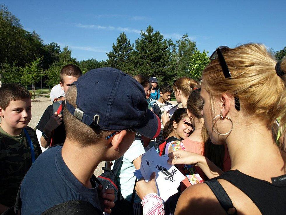 Se školním rokem se loučili žáci a studenti Svobodné chebské školy .