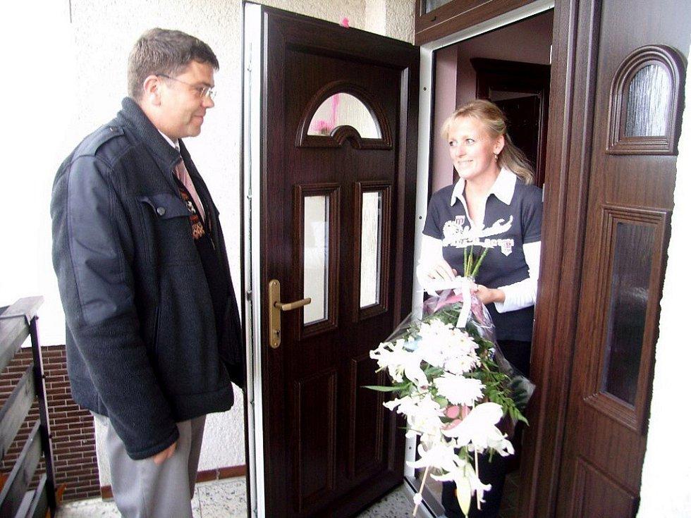 První místo v kategorii květinové výzdoby rodinných a bytových domů nebo  jejich předzahrádek získala Marie Tunderová.
