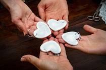 VÝROBKY PRO DOBROU VĚC. Dobrostánek, do kterého může svůj výrobek darovat každý, pomůže Dobrotetám.