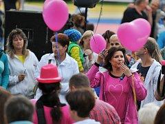 Růžový Avon pochod zamířil také do Chebu.