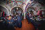 Kolem dvou stovek upírů a upírek se zúčastnilo v pořadí už 19. ročníku upírského sletu na hradě Vildštejn ve Skalné.