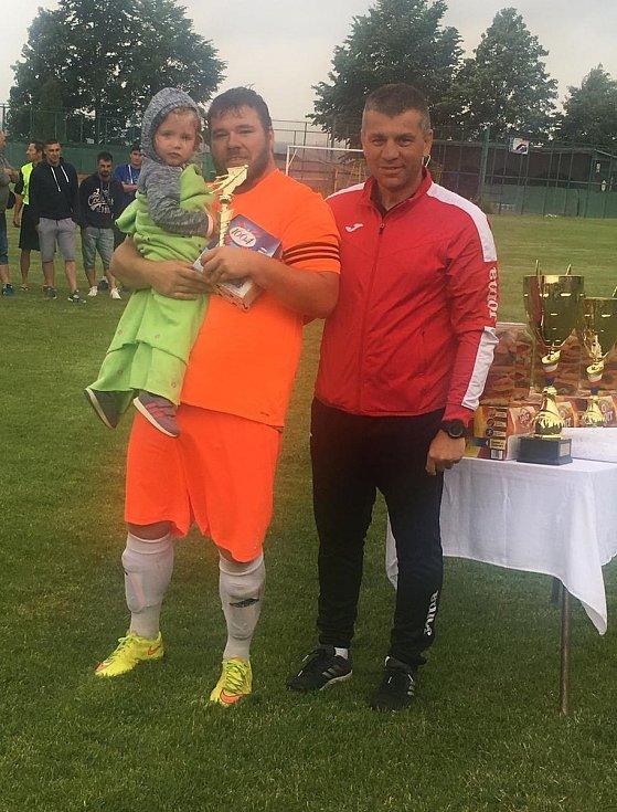 Vítězem osmého ročníku turnaje starých gard se stali veteráni v trikotech Konstantinových Lázní.
