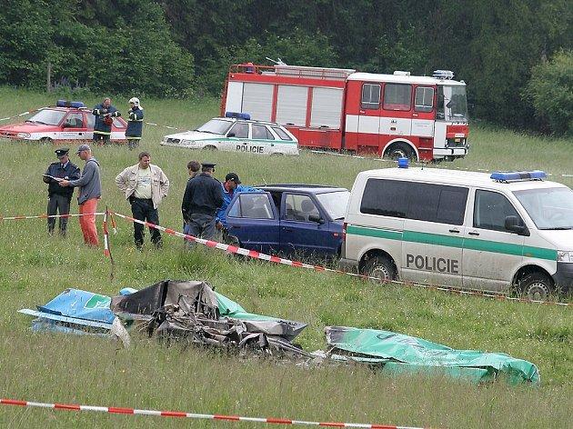 U letecké nehody zasahovali policisté i hasiči