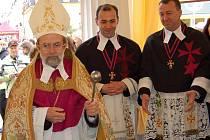 Svěcení  pramenů se ujala jeho milost Jiří Kopejsko.