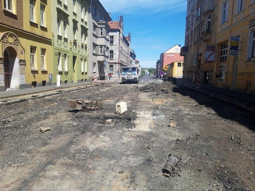 Práce v Karlově ulici.
