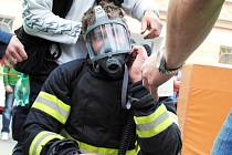 První ročník hasičské soutěže Hasičský permoník se konal v Sokolově. Sjeli se na něj hasiči i z Chebska.
