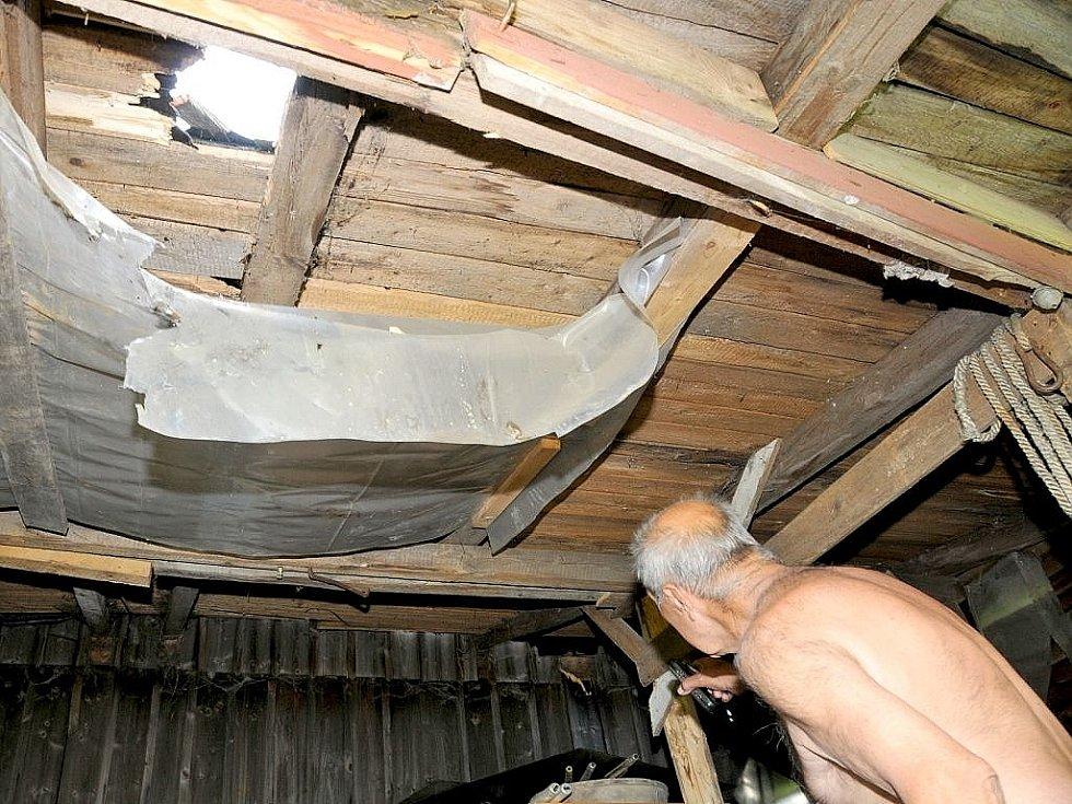 V Kopaninách u Aše zničil dům kulový blesk.