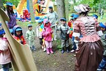 Přírodní divadlo zaplnily pohádky a děti.