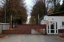 Velká Hleďsebe - ostrahou kasáren je pověřena soukromá bezpečnostní služba