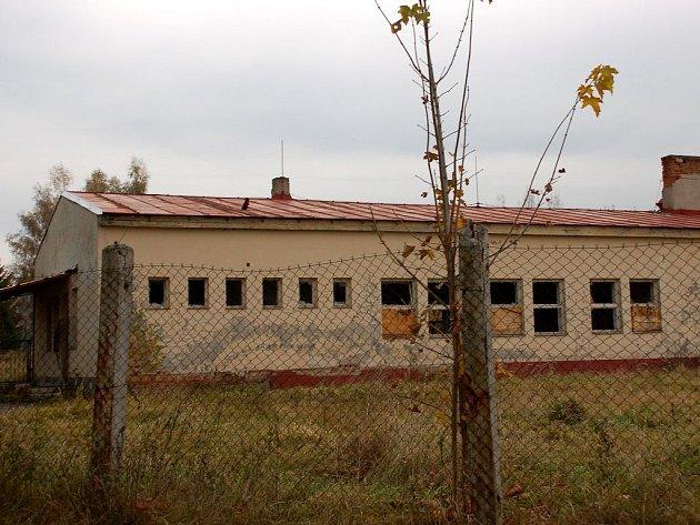 Ruiny jednoho z objektů klimentovských kasáren