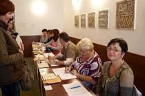 Volby do poslanecké sněmovny v chebském okrsku číslo 19.
