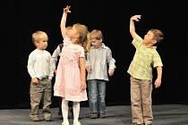 Základní umělecká škola ve Františkových Lázních pořádala v divadle Boženy Němcové koncert nejmladších žáků školy