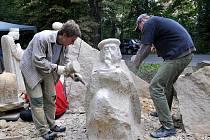 Sochařský pohádkový ráj na vrchu Krakonoš v Mariánských Lázních
